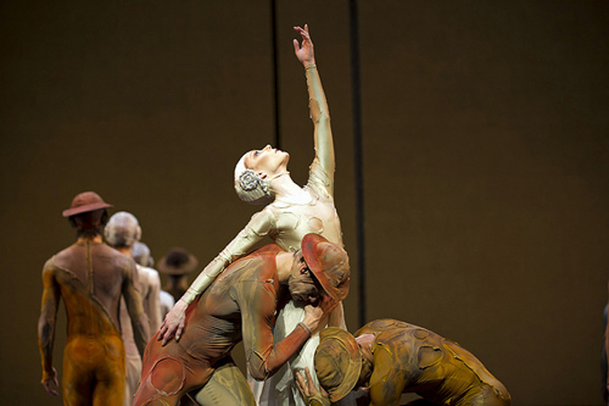 Sarah Lamb in Gloria with Thiago Soares and Carlos Acosta @ROH/Bill Cooper 2011