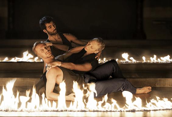 Lukasz Przytarski, Jordi Calpe Serrats and Sara Kestelman in IGNIS (photo: Zadoc Nara)