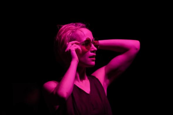 Viivi Keskinen in Eleesha Drennan's Channel Rose (photo: ©Nicole Guarino Photography)