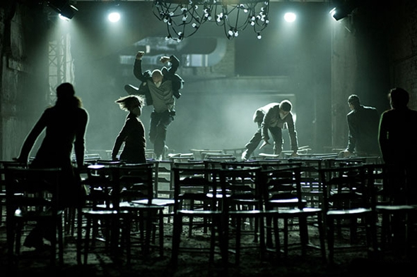 Vincent Dance Theatre in Underworld (photo: Julia Parsons)