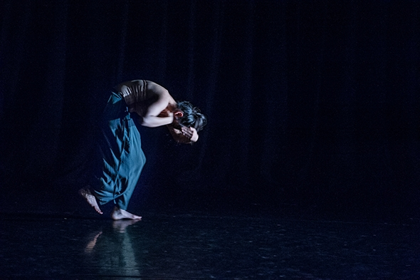 Kesha Raithatha in Traces (photo: Simon Richardson)